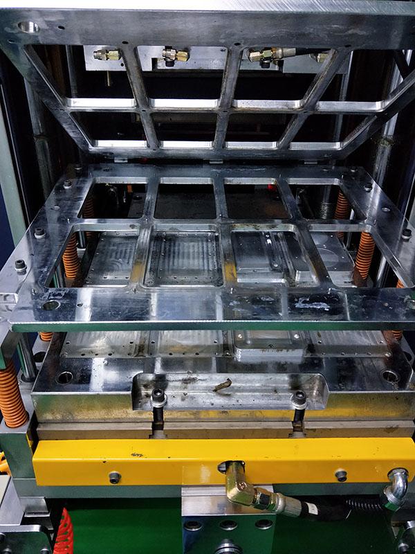 热压成型机的升级版-------高压成型机了解下
